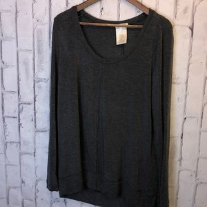Gray slouchy oversize Matty M tunic top. Size Med